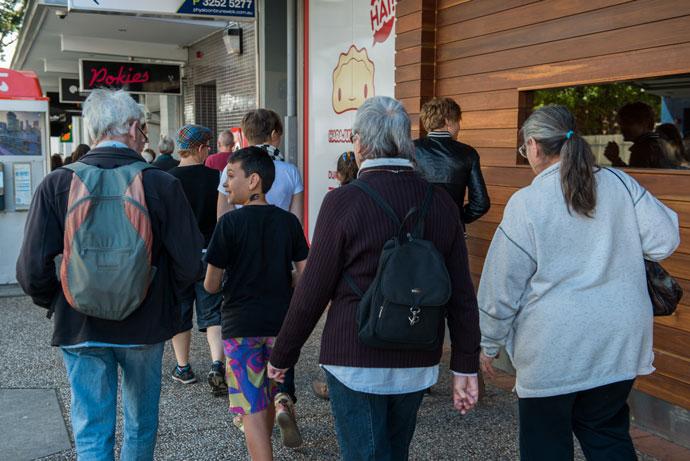 Child-leading-Neighbourhood-Walk